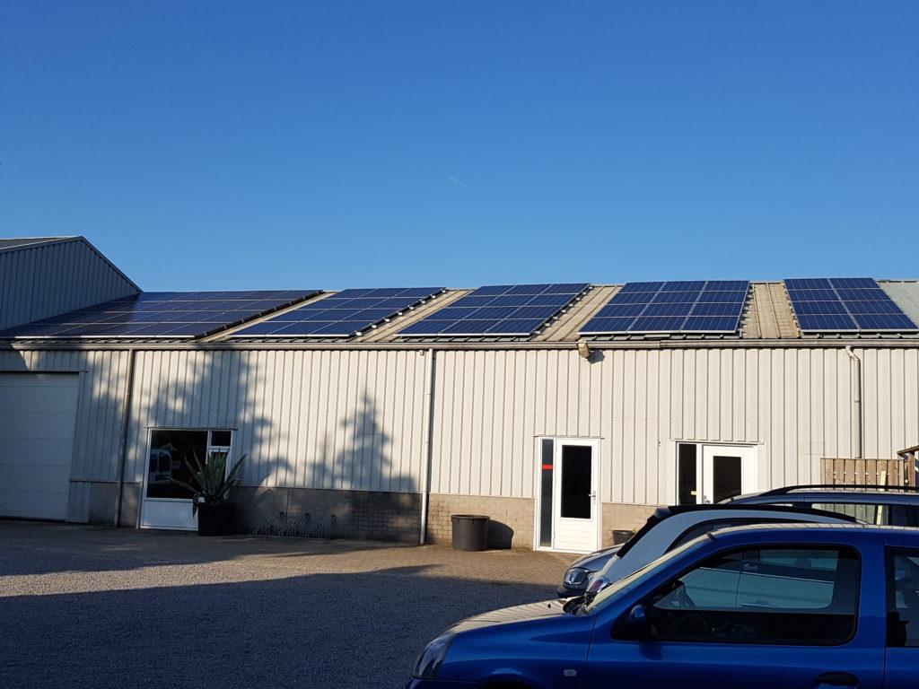 Zonnepanelen trapezium dakplaten SMA Tripower ET Solar