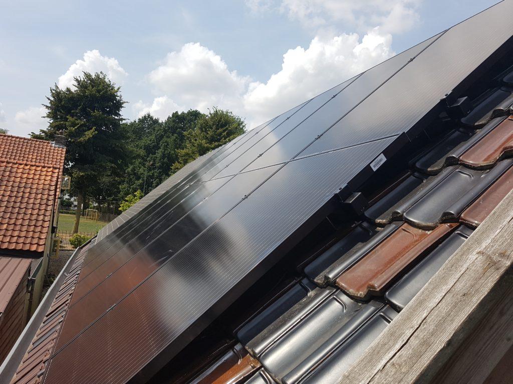 Zonnepanelen betuwe waard - AUO solar 300p Sunforte Tiel