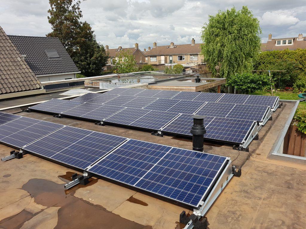 Platdak opstelling Maasdriel bommelerwaard Canadian Solar