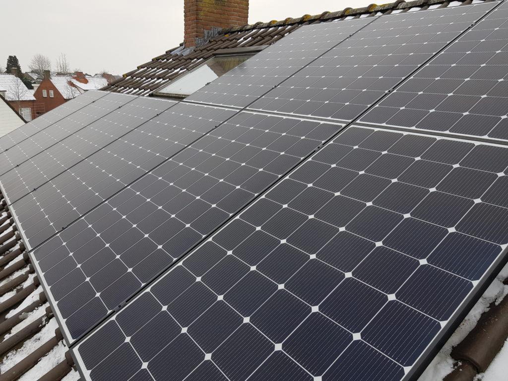 Schuindak zonnepanelen installatie van der valk solar systems